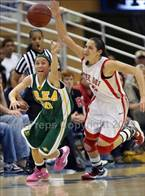 Great sequence for the ball between Brea's Jonae Ervin and Jordan Adams.